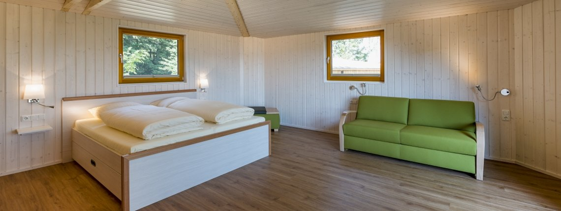 Baumhaus Birkenhoehe Bett Sofa