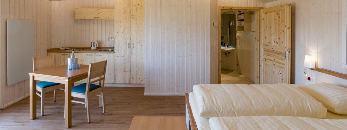 Baumhaus Ahornhoehe Bett Bad Und Kuechenzeile