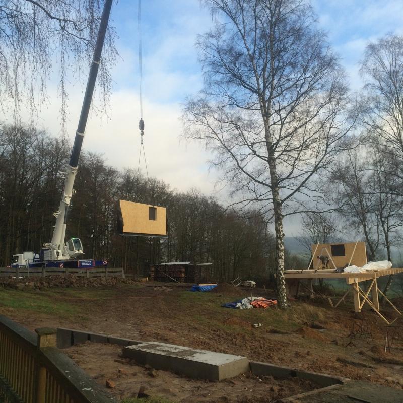 Baumhaus Birkenhöhe die zweite Wand schwebt ein